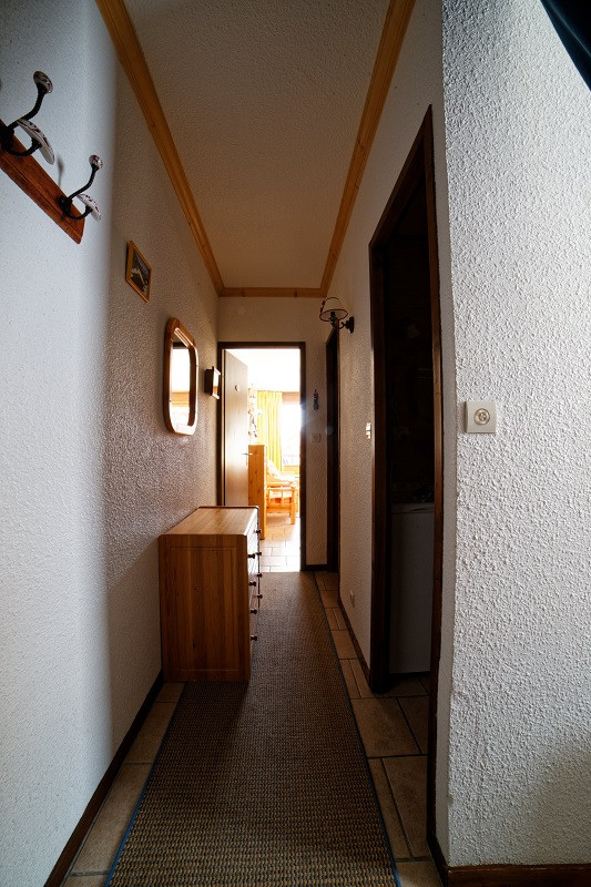 Couloir, Studio cabine CR09A