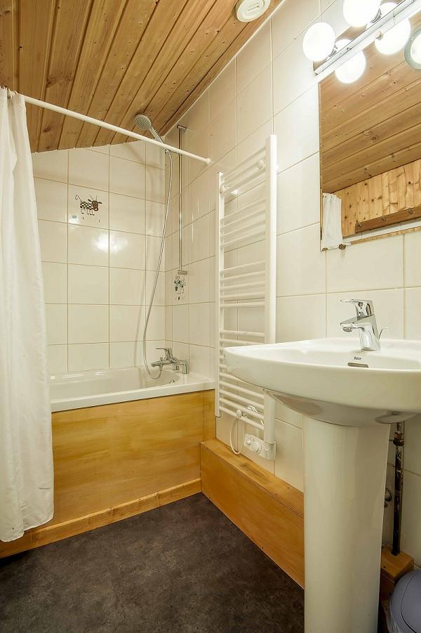 6-pieces-12-pers-salle-de-bain-2-10646