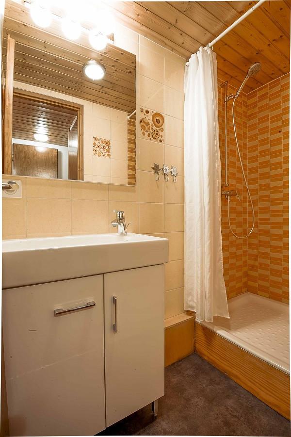6-pieces-12-pers-salle-de-bain-3-10647