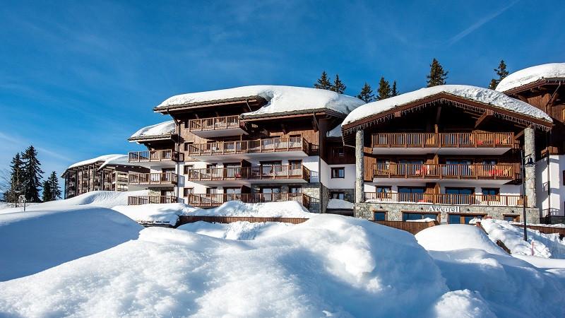 cgh-les-marmottons-exterieur-hiver-location-la-rosiere