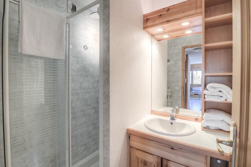 salle-de-bain-appartement-CRYS4