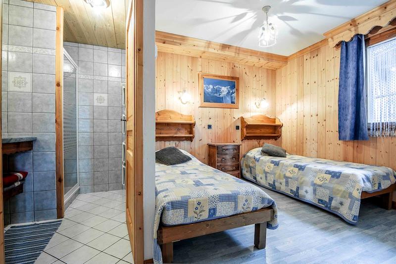 La Rosière location chalet-ourson-chambre2-salle-de-bain-1951766