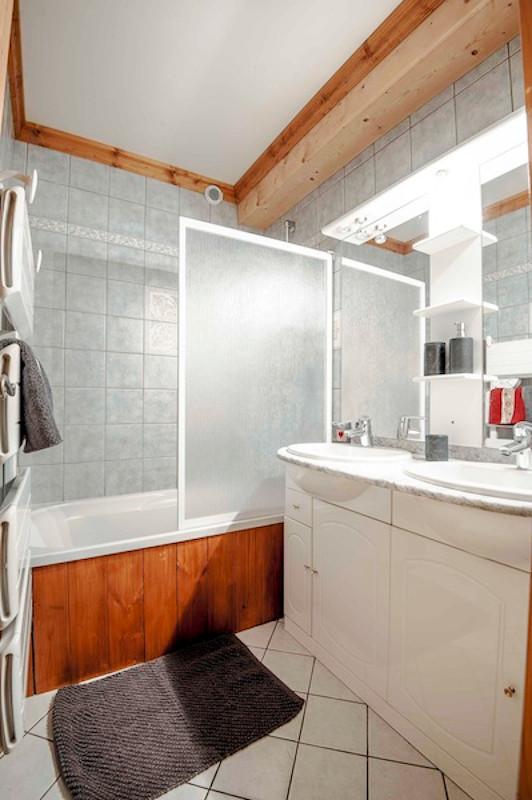 La Rosière location chalet-ourson-salle-de-bain3-1951788