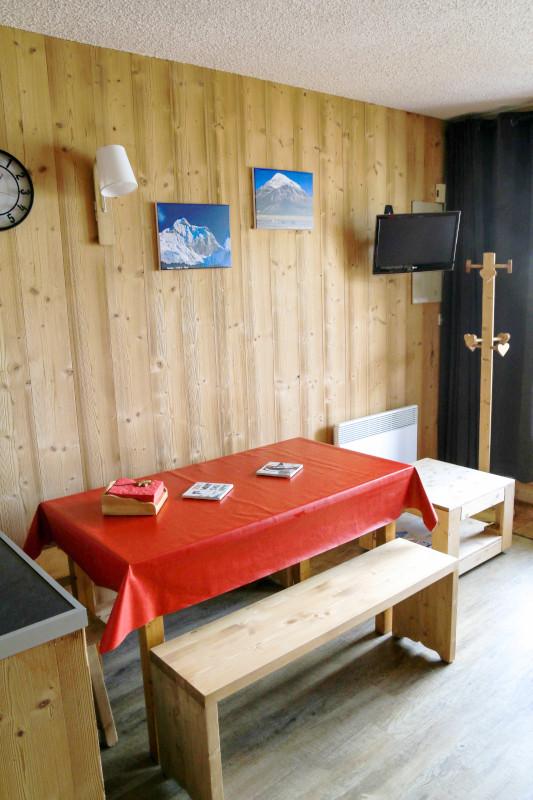 cro2f-salon-2-1996490