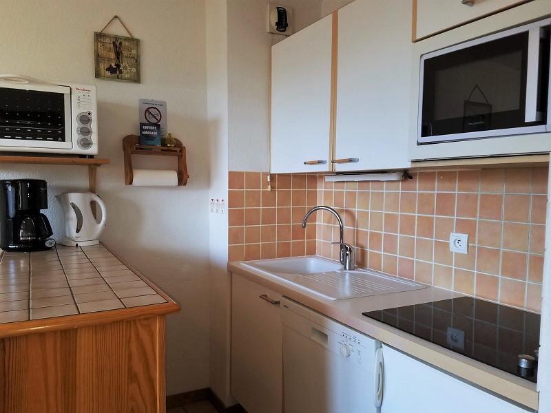 cuisine-appartement-NV008-la-rosiere-vue-3