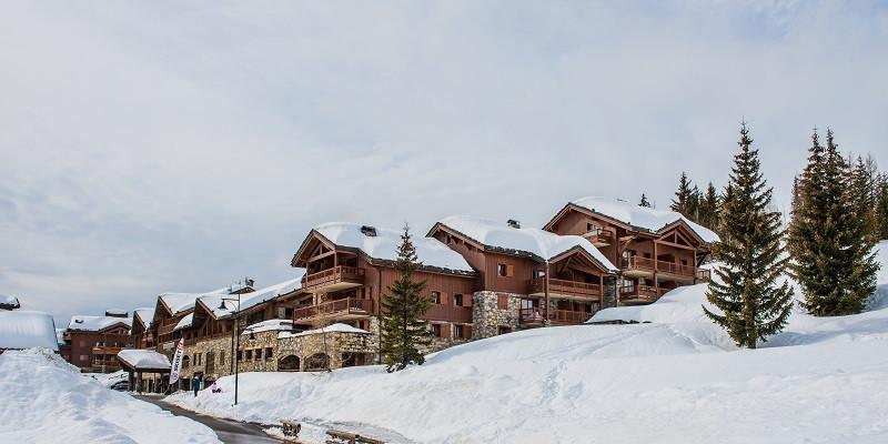 exterieur-hiver-cgh-les-cimes-blanches-location-la-rosiere