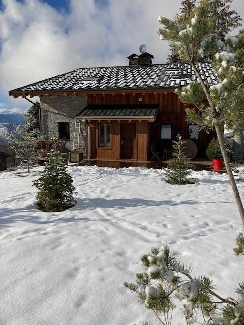 exterieur-hiver-chalet-apalosa-la-rosiere-vue-2