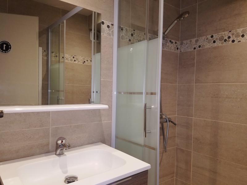 hr401-salle-de-bain-1-2011250