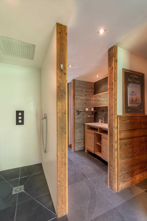 salle-de-bain-2-chalet apalosa-la rosiere-vue-1