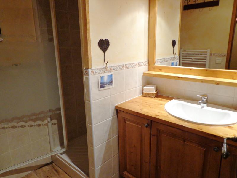 Salle de bain, Appartement VA001, vue 1