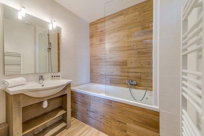 salle-de-bainb-13003