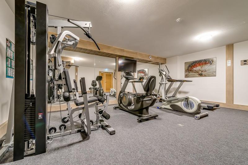 salle-fitness-13080