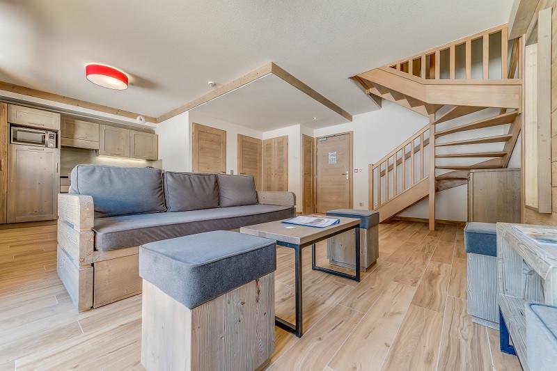 salon-duplex-6-8p-13070