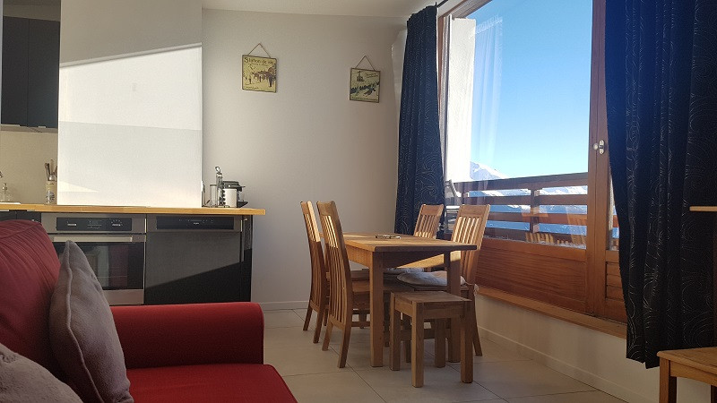 Séjour, Appartement CV31, vue 2