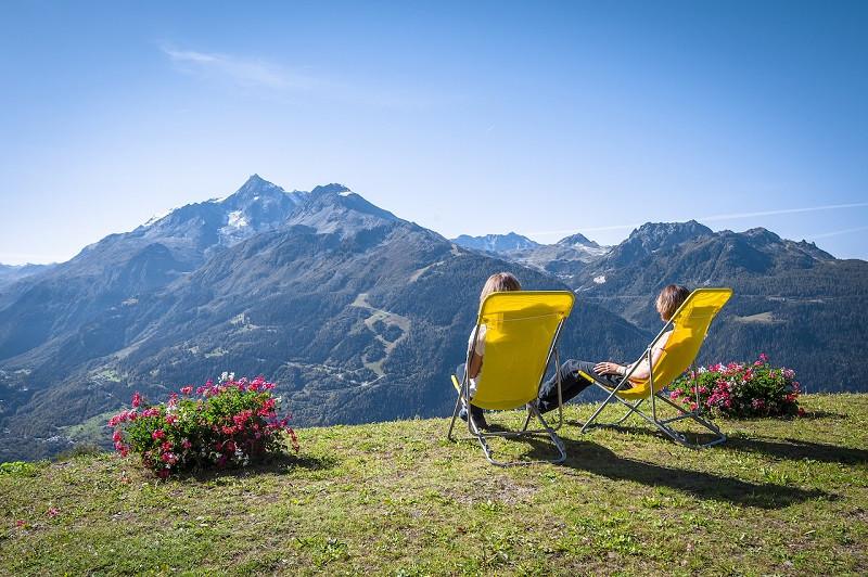 vue-du-jardin-chalet-le-panoramic-la-rosiere-1266783