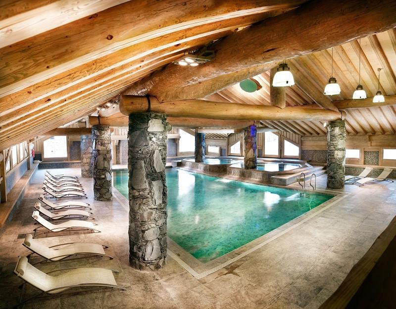 cgh-cimes-blanches-piscine-location-la-rosiere