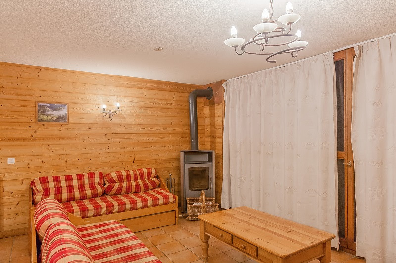 les-balcons-de-la-rosiere-appartement-255-type-10-12-pers-pmr-salon-img-7545-acr9-web-2048-499562
