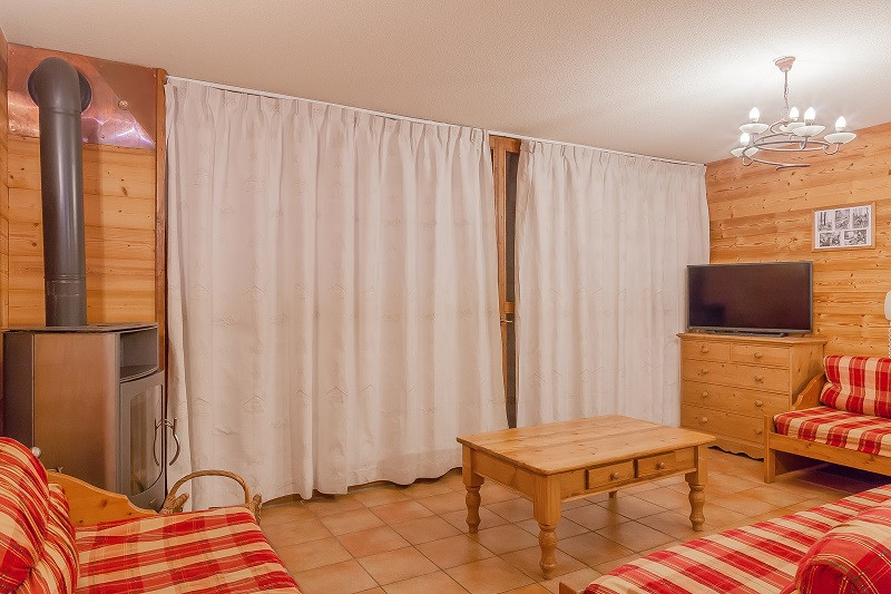 les-balcons-de-la-rosiere-appartement-255-type-10-12-pers-pmr-salon-img-7551-acr9-web-2048-499561