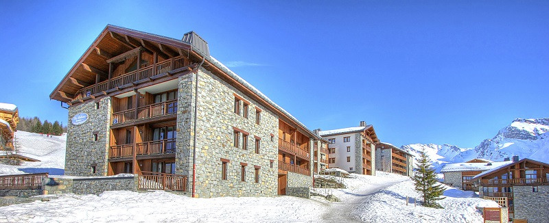 les-balcons-de-la-rosiere-exterieur-hiver-img-3817-web-2048-9765