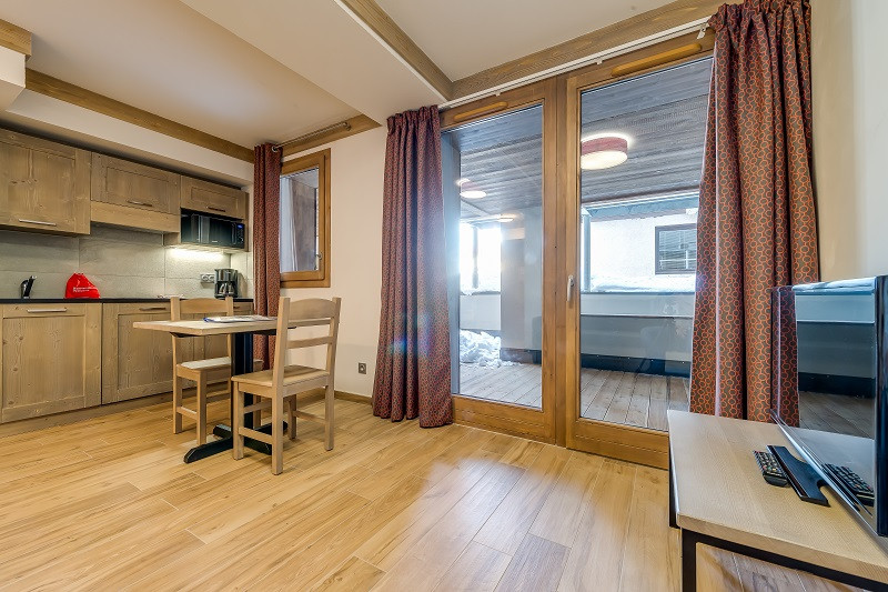 studio-1er-etage-13023
